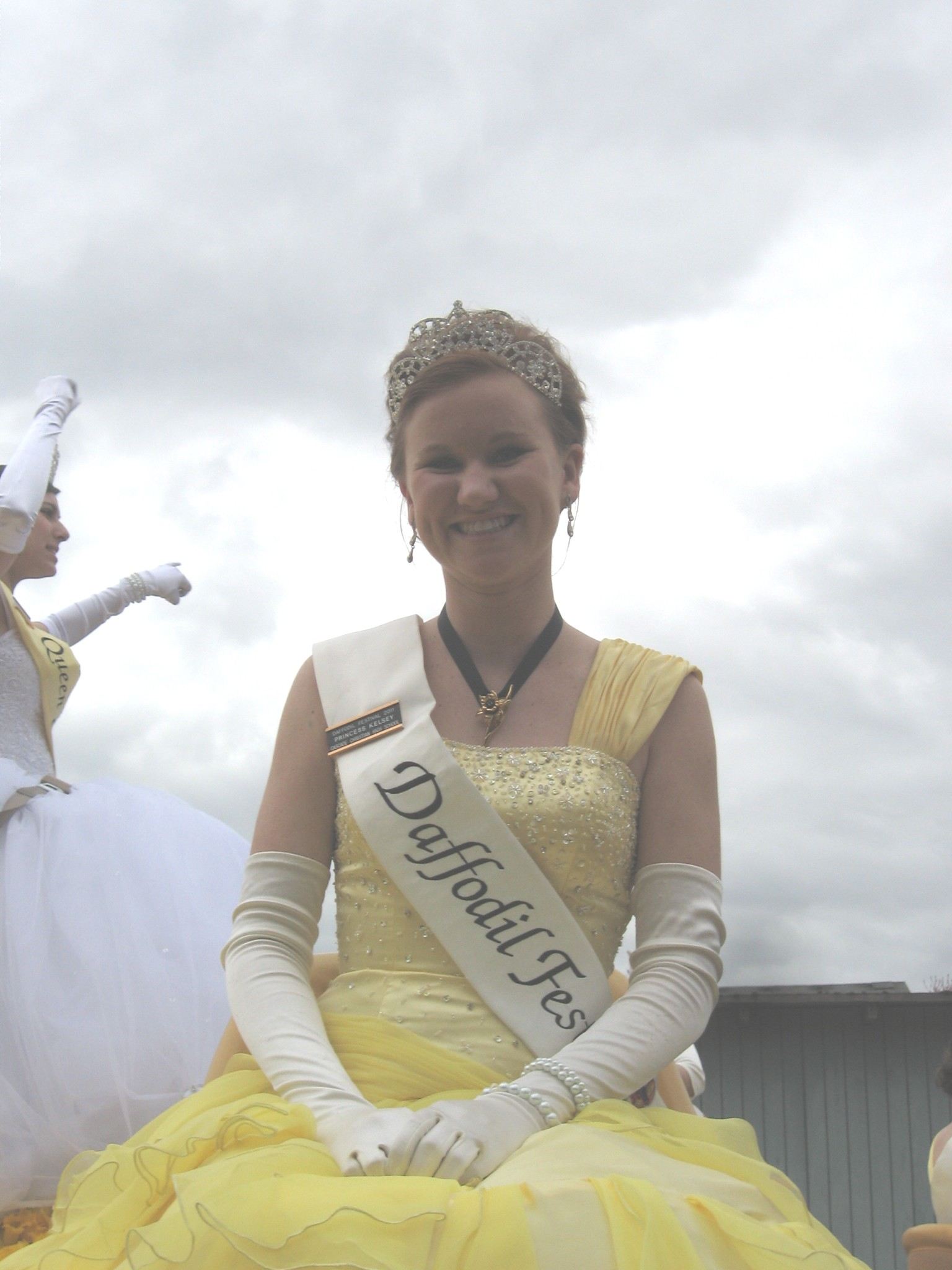 daffodil parade in orting delights thousands