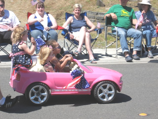 4th, parade, kiddie car in pink, Best
