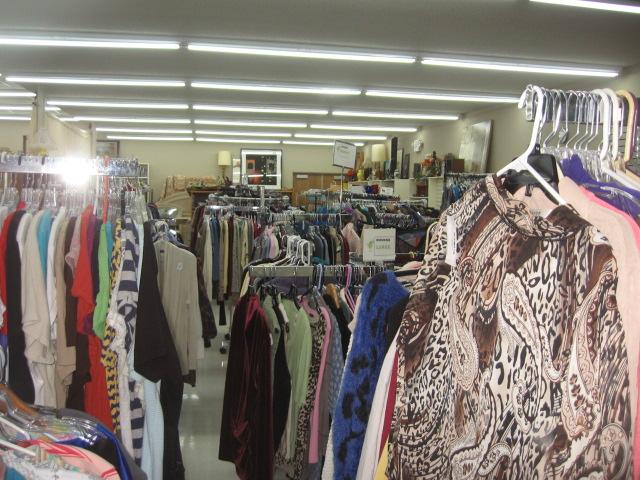 Thrift Store, Eatonville, 5. 26. 18 (10).JPG
