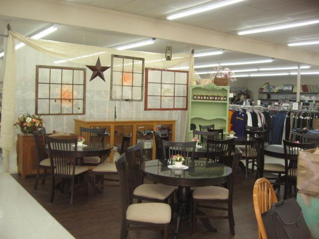 Thrift Store, Eatonville, 5. 26. 18 (11)
