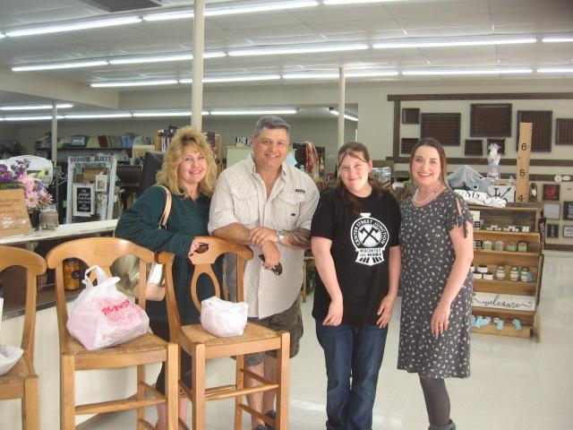 Thrift Store, Eatonville, 5. 26. 18 (16)