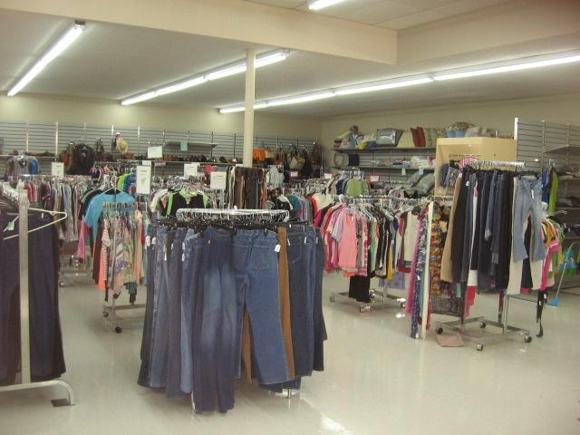 Thrift Store, Eatonville, 5. 26. 18 (8).JPG